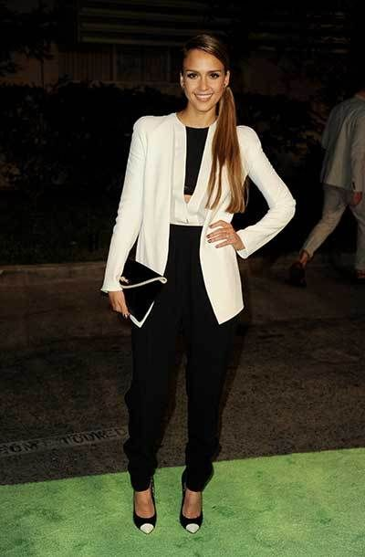 jessica_alba_celebrities_wearing_black_and_white_trend_photo_186l23k-186l24j